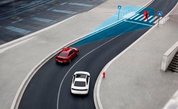 Nueva berlina PEUGEOT 508: frenado automático de emergencia Active Safety Brake con alerta de riesgo de colisión Distance Alert