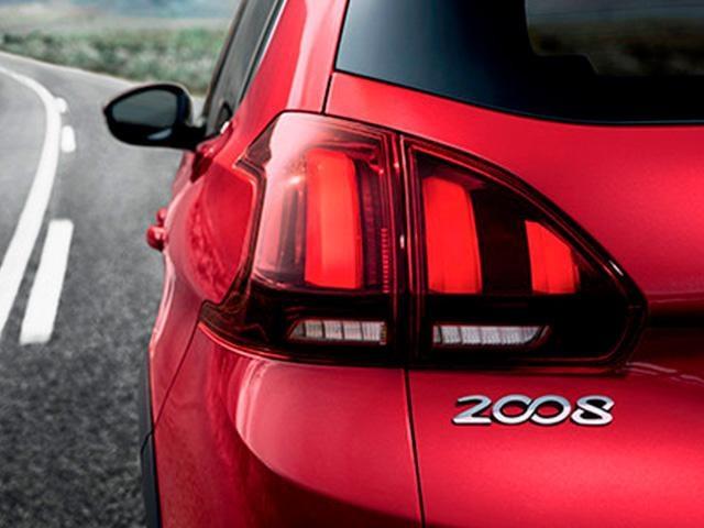 Peugeot SUV 2008 acc2