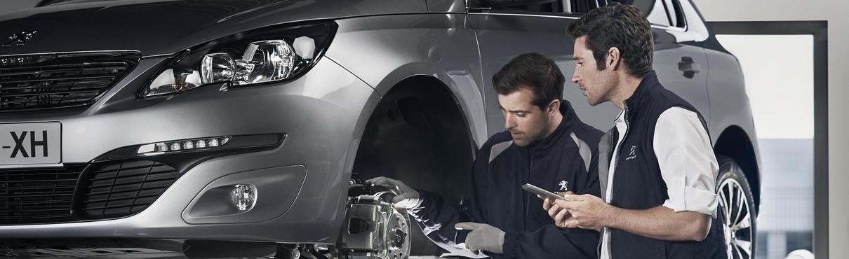 Cambiar baterías de coche con los servicios Posventa Peugeot