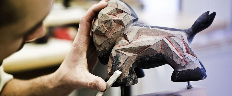 Peugeot Design Lab ha mostrado las primeras figuras de su nueva colección de Leo'z.  Basadas en los futuristas diseños Onyx, con fibra de carbono y cobre.  El departamento de alta ingeniería de Peugeot, el Peugeot Design Lab, autor de creaciones tan impac