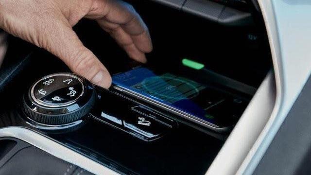 Conectividad Permanente Nuevo SUV Peugeot 3008 Smartphone