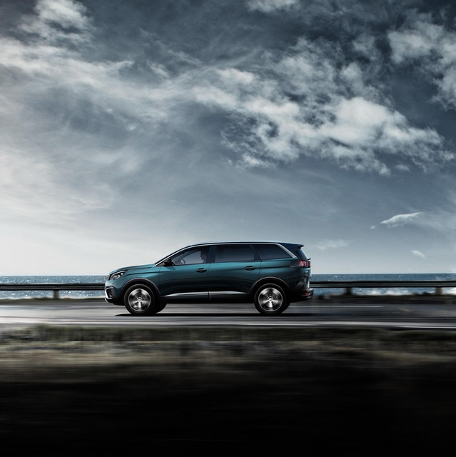 Nuevo SUV PEUGEOT 5008: Gran SUV 7 plazas