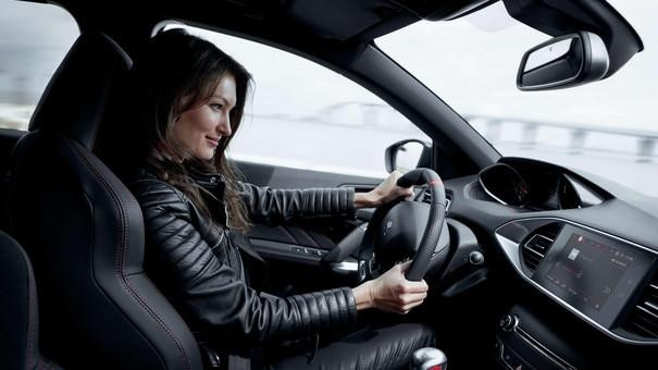 Coche Peugeot - lifestyle visual