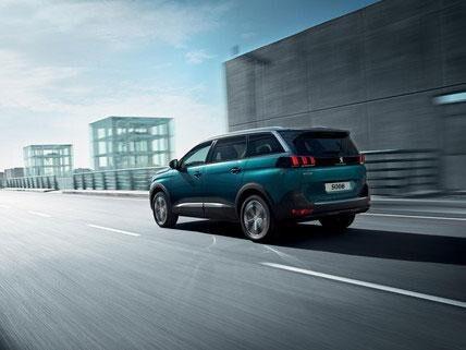 Nuevo SUV Peugeot 5008 experiencia de conducción