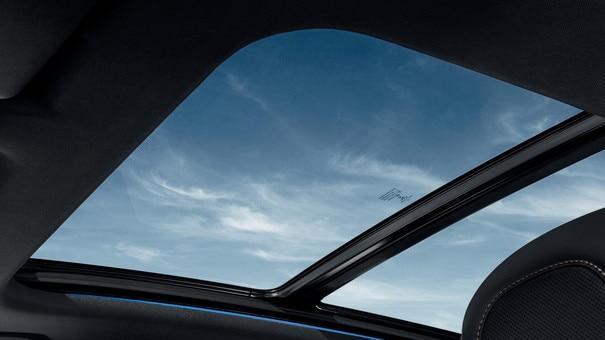 SUV PEUGEOT 3008: techo panorámico