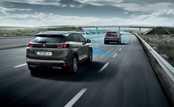 SUV PEUGEOT 3008 HYBRID4 - Drive Assist Plus Pack