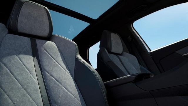 SUV PEUGEOT 3008 HYBRID4: tejidos Alcantara® gris Gréval
