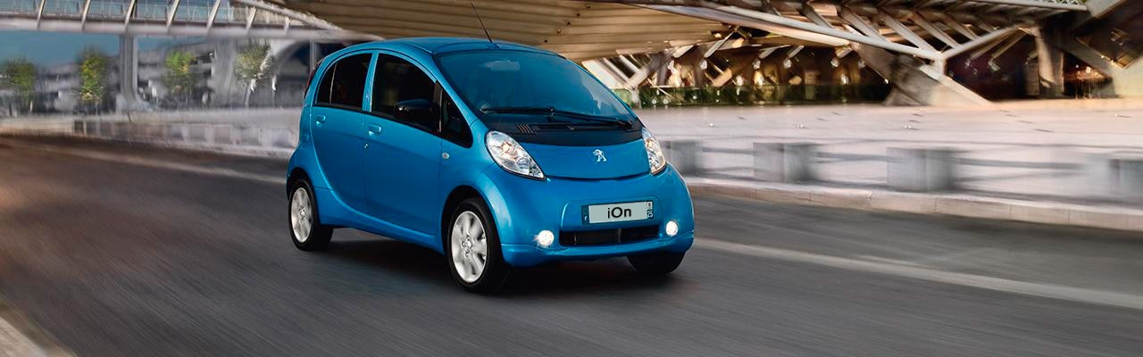 Coche urbano Peugeot iOn Eléctrico