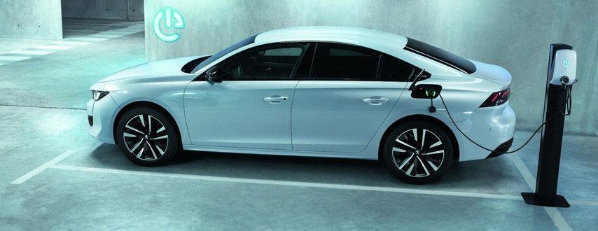 Toma de carga del Nuevo Peugeot 508 Hybrid