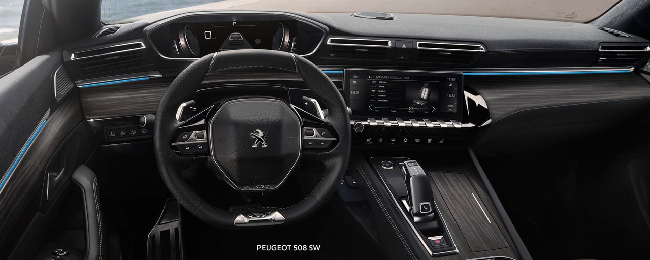 Nuevo break PEUGEOT 508 SW, PEUGEOT i-Cockpit, Head-up display y volante compacto