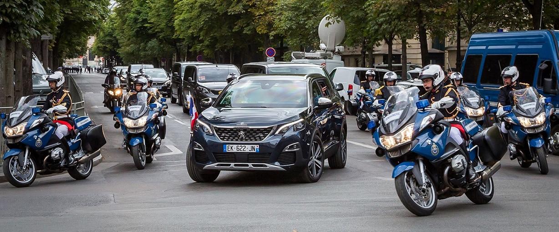 Emmanuel Macron elige el Nuevo Peugeot 5008 3