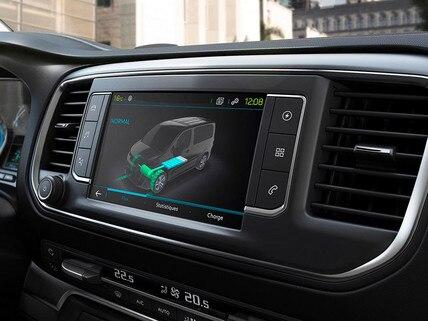 Nuevo Peugeot e-Traveller Business - amplia pantalla táctil