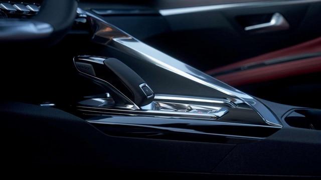 Nuevo SUV PEUGEOT 5008, caja de cambios automática EAT8