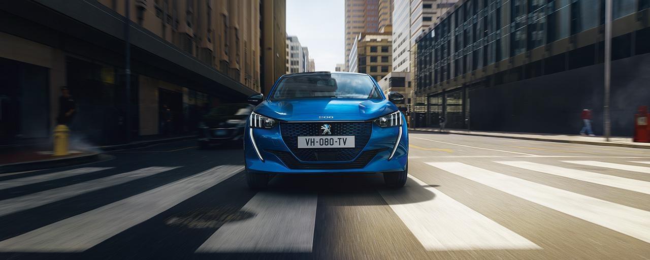 NUEVO PEUGEOT e-208 – Nuevo coche urbano eléctrico y parte frontal
