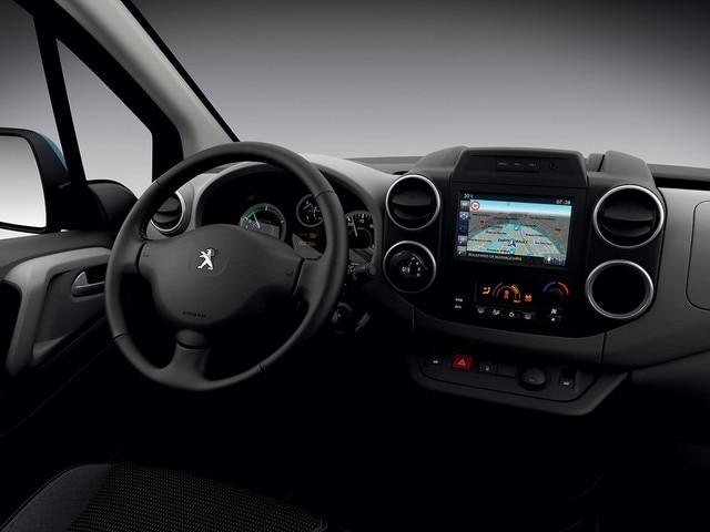 /image/88/0/peugeot-partnerelectric-homepage-03.160993.166880.jpg