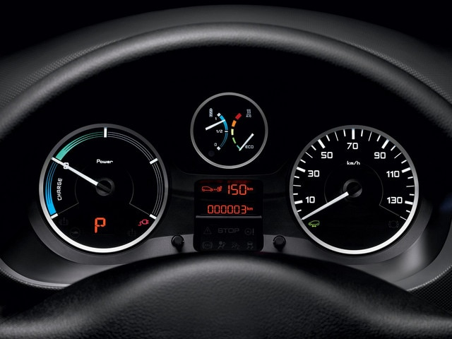 /image/88/3/peugeot-partnerelectric-homepage-06.166883.jpg
