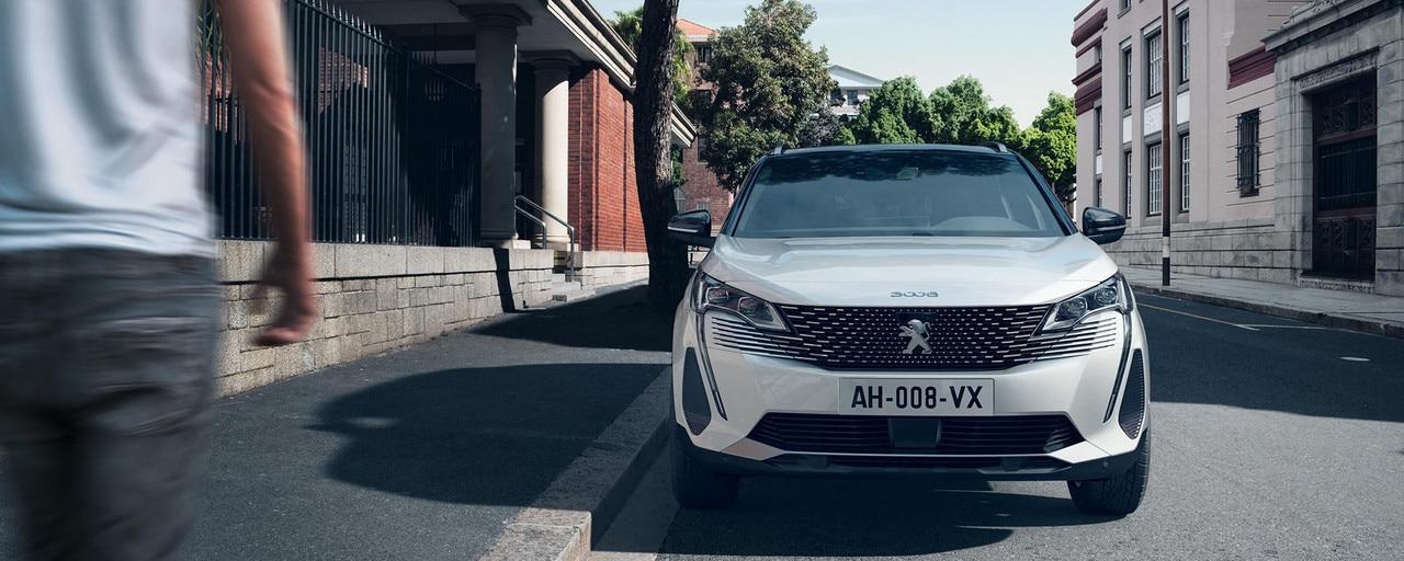 Nuevo SUV PEUGEOT 3008 HYBRID – Nuevo frontal