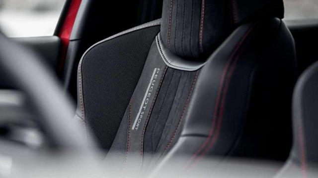 PEUGEOT 308 GTi by PEUGEOT SPORT - asientos de cuero
