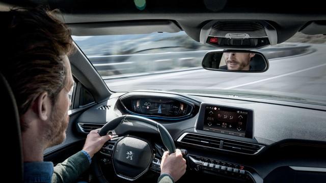 SUV PEUGEOT 3008 HYBRID4: Alerta de atención del conductor